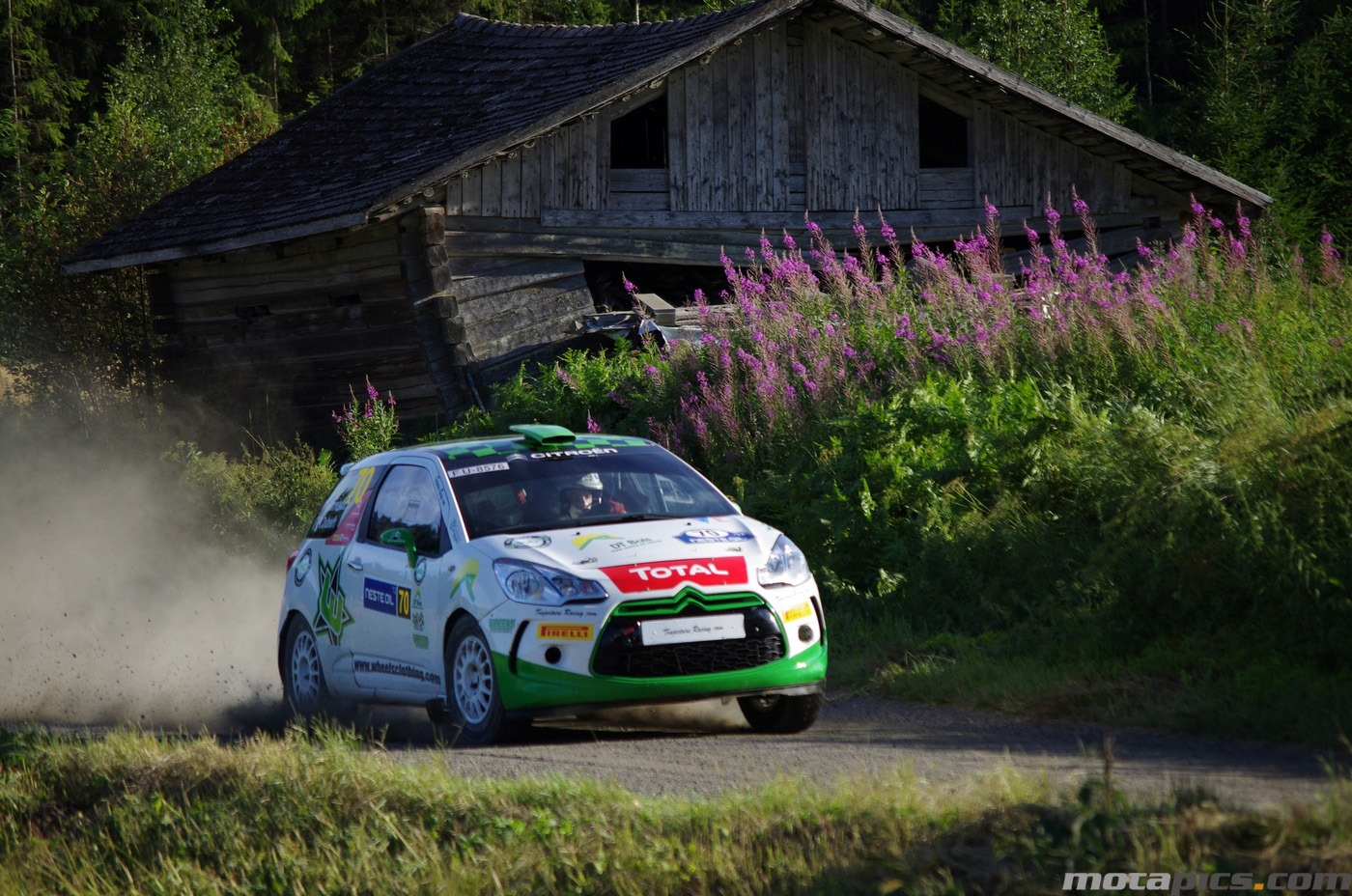 motapics-wallpaper-finland-rally2_1400px.jpg